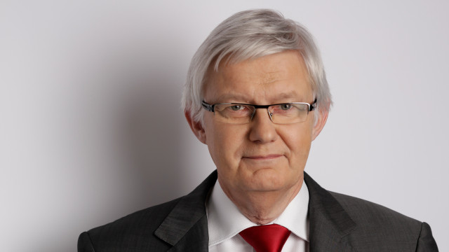 Porträtfoto von Dr. Werner Widuckel